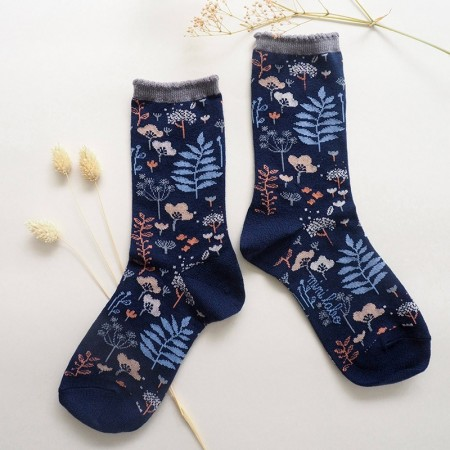 Jacquard socks with forest Green Papercut Pattern