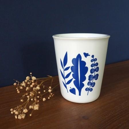 Gobelet en porcelaine bouquet bleu indigo