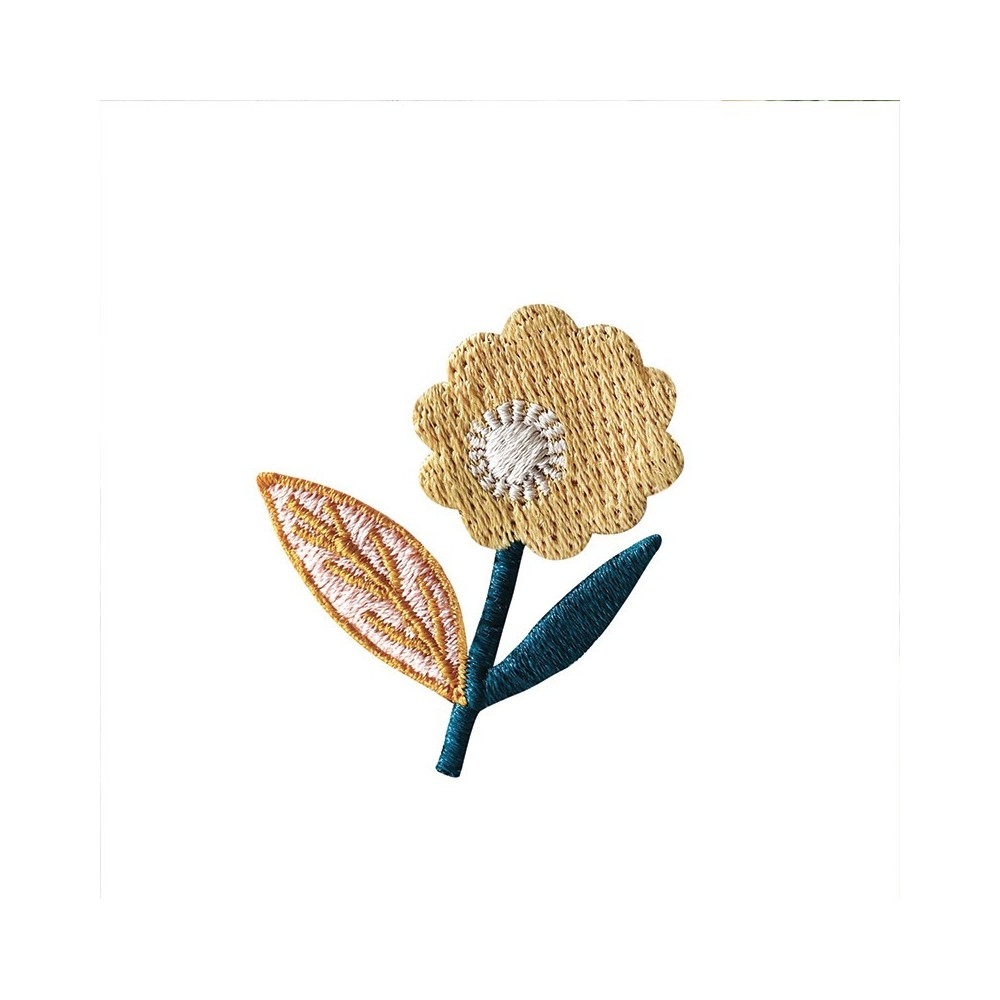 Embroidered iron-on patch with Dahlia Lemon pattern