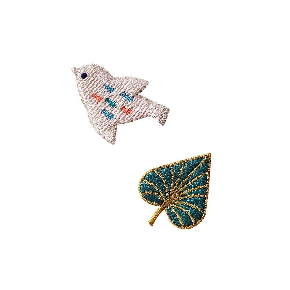 Patch brodé thermocollant motif Oiseau Poudre